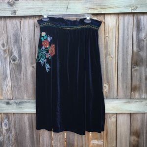 Dresses & Skirts - NWOT Boutique | Embroidered Velvet